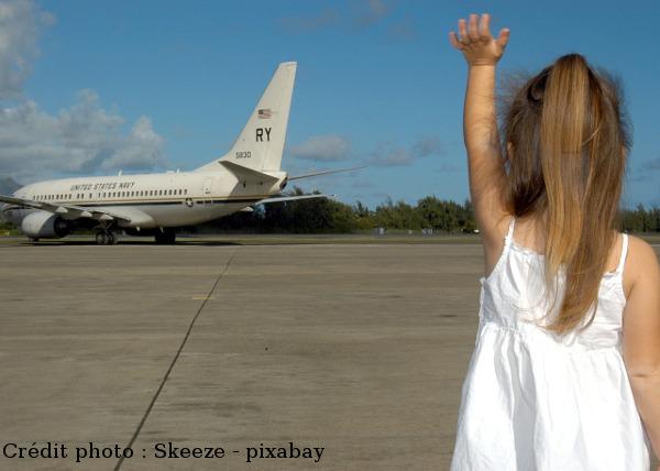 avion aéroport enfant