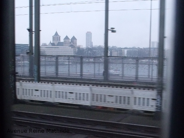 Quelque part en Allemagne, aux premières heures du jour.