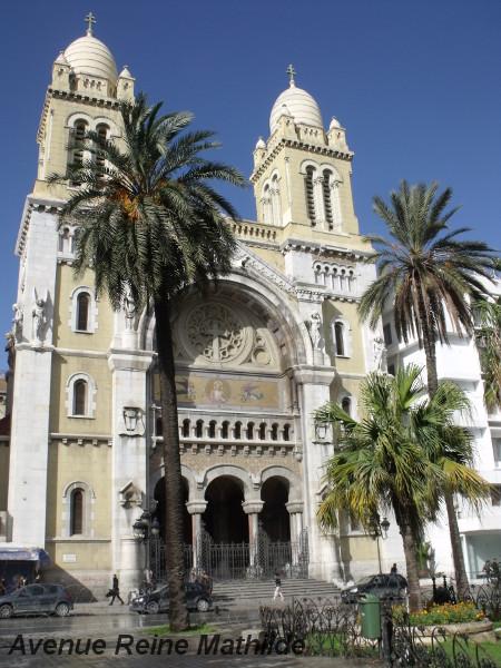 La cathédrale de Tunis, rue Habib Bourguiba