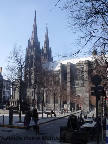 Choisir Clermont-Ferrand pour un futur et hypothétique retour définitif en France.