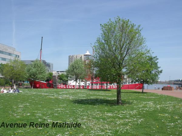 Espace vert à Cardiff Bay - mai 2014
