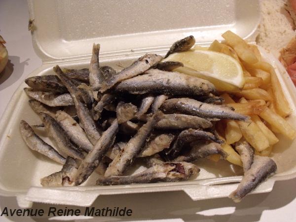 Petits poissons frits au nom imprononçable, vendu sur les marchés de la ville - Zagreb, septembre 2013