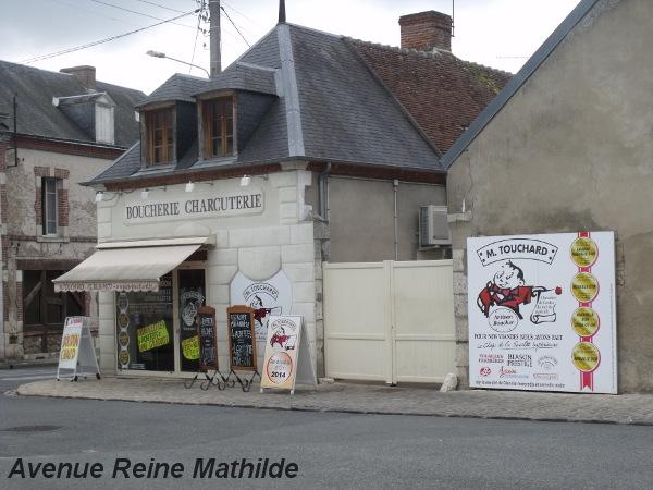 Boucherie-charcuterie, M. Touchard, spécialité : l'andouille