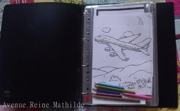 Le matériel : un classeur, des pochettes à zip et un peu d'imagination