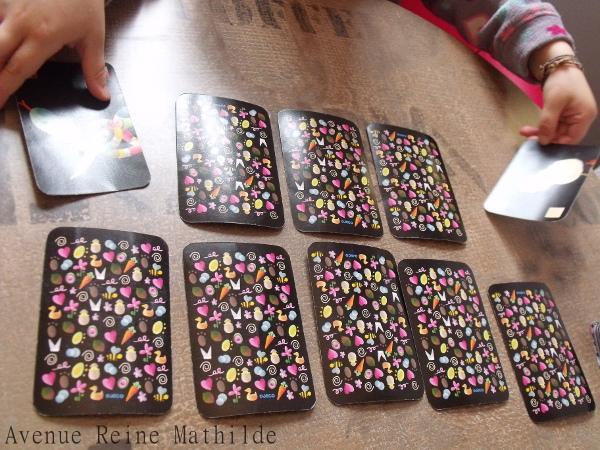 Partie de memory à partir des cartes d'un jeu de mistigri.