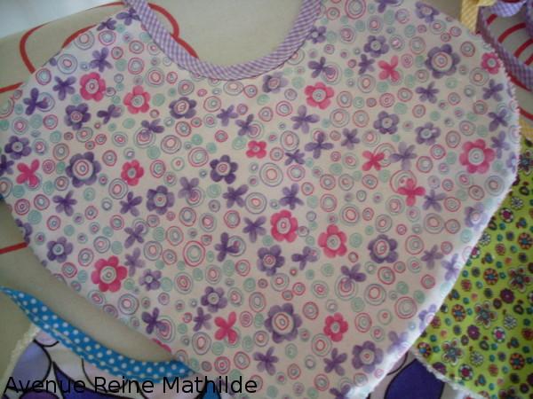 Série de bavoirs cousus pour la naissance de ma fille : la couture la plus utile de toute ma vie !