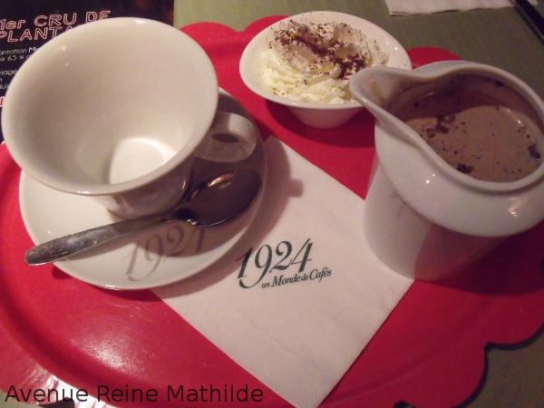 Chocolat chaud maison à 1924 maison du café