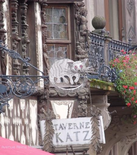 La Taverne Katz dans la maison du même nom.