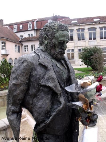 Besançon statue Hugo