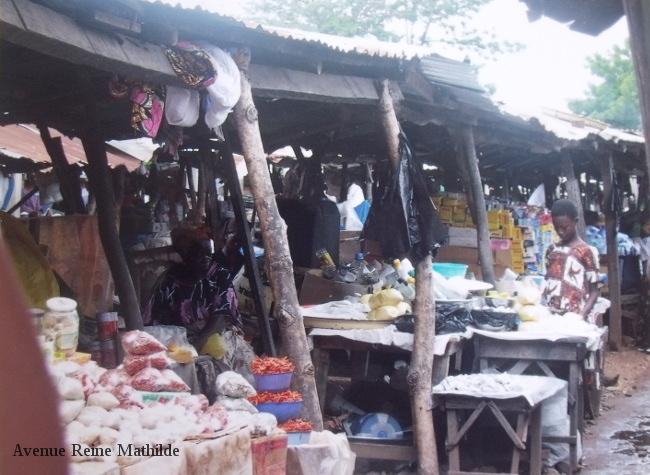 Dans les allées du marché de Kara