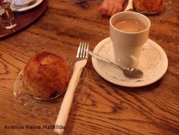 Chocolat chaud et Appelbol au Graaf Floris