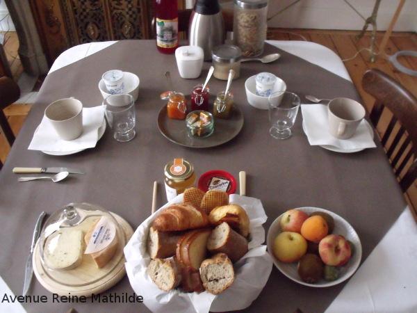 lart-de-vivre-table-petit-dejeuner