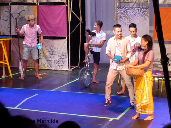 cirque à Battambang