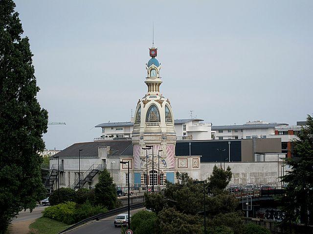 Nantes Lieu Unique et sa tour