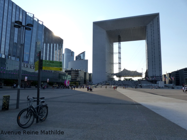 Paris arche de la défense