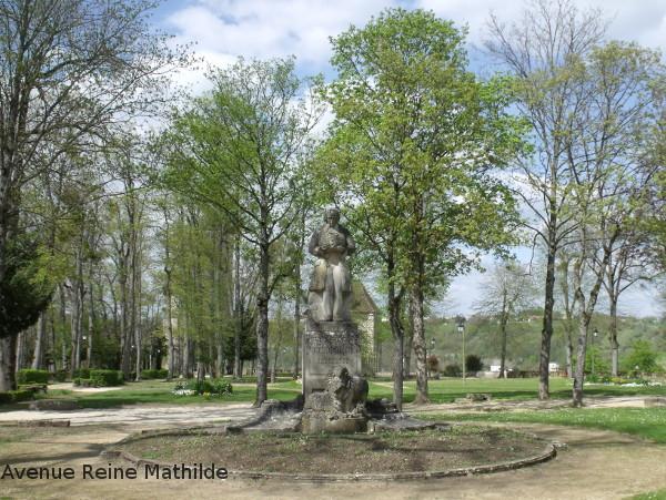 statue daubenton montbard