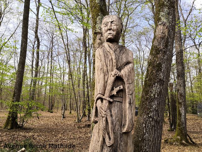 sculptures forêt de Paucourt
