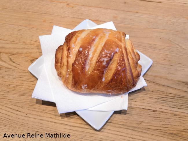 pain au chocolat avec glaçage