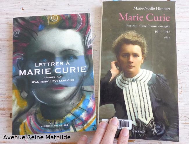 2 livres sur Marie Curie