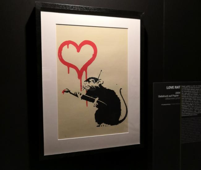 Rat par Banksy à l'exposition à Bâle